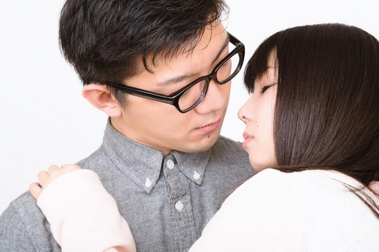キスを顔にする時のタイミング5つのポイント