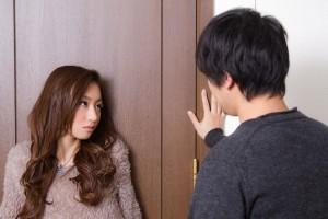 嫉妬深い相手をコントロールする5つの方法