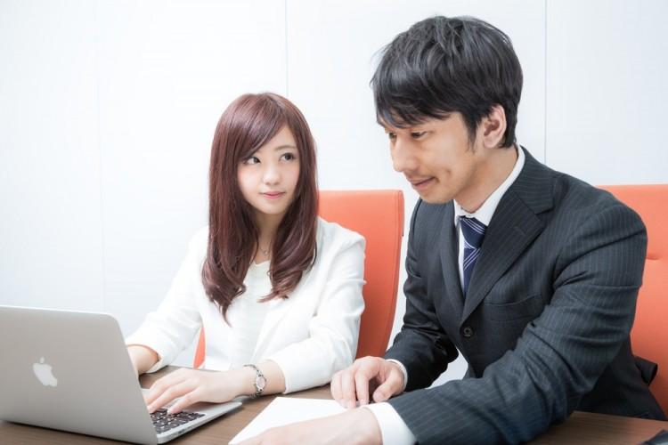 態度で示す職場の好きな人への好意5つの秘訣
